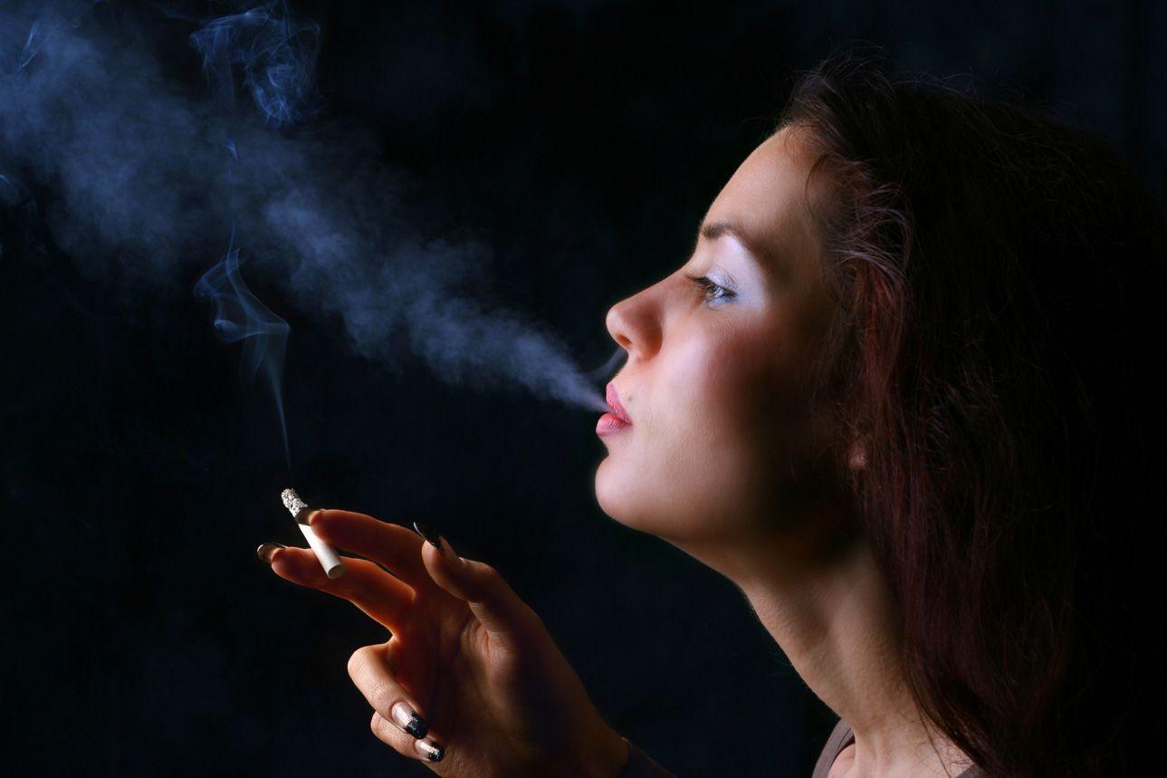 Girls exhaling smoking pictures — img 10